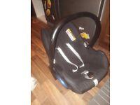 Baby car seat ( used) maxi-cosi