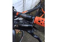 Voodoo Marasa Hybrid Bike Hydraulic Disc Brakes EXCELLENT CONDITION!