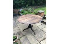 Antique circular oak Georgian tilt top folding table