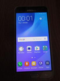 Samsung Galaxy J3 2016 in gold (unlocked & faulty?)