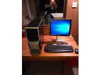Dell Precision T5400, Windows 10, Dell Monitor, Keyboard and Mouse