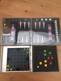 2 Magnetic games ideal for your travels. Small and compact