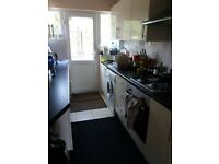 Single room to rent walking distance to Queens Hospital