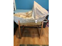 Mamas& Papas Moses basket with stand