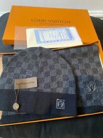 Louis Vuitton hat and scarf dark grey