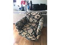 Single swivel chair
