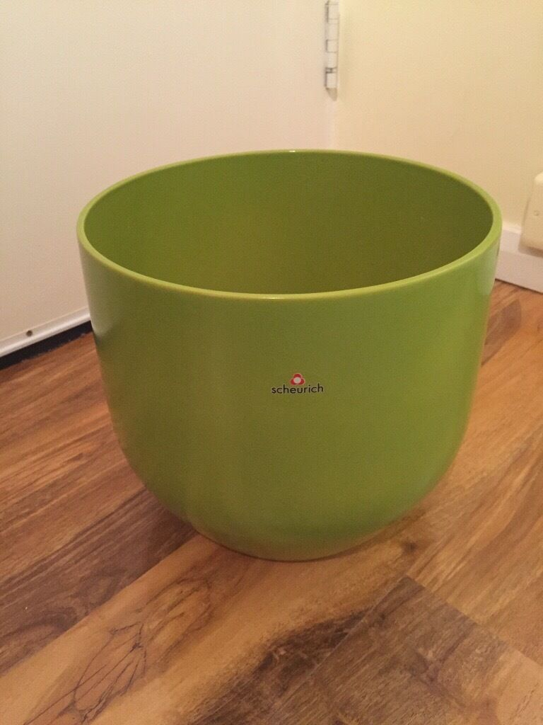 Large plant pots x 2in Fulham, LondonGumtree - Pair of Sheurich large apple green plant pots Size high 25cm wide 27cm Cash on collection from Fulham