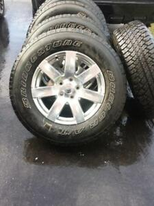 BRAND NEW TAKE OFF JEEP WRANGLER 18 INCH WHEELS  WITH HIGH PERFORMANCE  BRIDGESTONE  255 / 70 / 18  ALLSEASON TIRES.