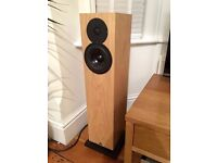 Kudos x2 Floorstanding loudspeakers / speakers in OAK