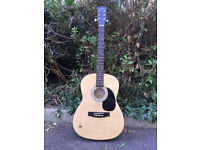 acustic guitar, like new, almost never played