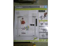 ***NEW*** Lindam Sure Shut Axis Pressure Fit Safety Gate 76 - 82 cm, White