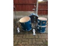 Drum kit (stagg)
