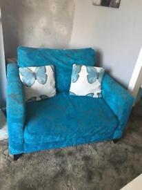 Beautiful turquoise three piece suite