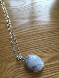 Ladies pendant and chain with a Howlite Jasper stone