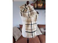 YORKSHIRE TWEED by MOON cream shawl