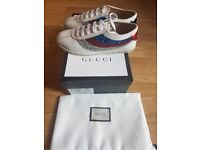 Gucci classic Women's Glitter Web & Bee Falacer Embroidery (Off White)