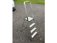 Aluminium step ladder 150cm height, 4 steps.