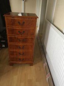 Lovely slim chest of drawers walnut and cherry veneered