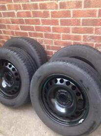 215/60 R16 tyres/wheels