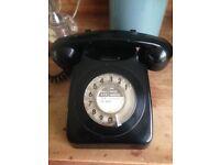 1950s black retro telephone