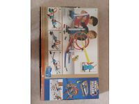 Hotwheels Track Builder with 4 Duracell batteries (Like New In a box)