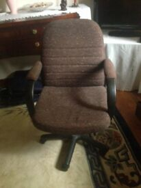 Swivel office chair on casters