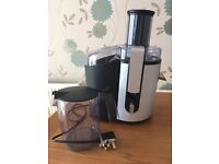 JUICER only £10. Philips HR1861 Whole fruit/veg juicer. Excellent condition. Barely used.