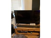 Oak Solid Coffee Table x Tv stand 2 drawers Excellent condition