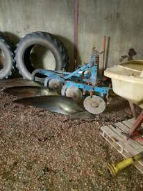 Friskers 3 furrow plough with wheel