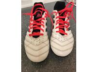 Adidas size 9.5 football boots
