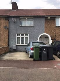 Double Room to Rent - Dagenham RM9 (1 Min Walk to Becontree Station)