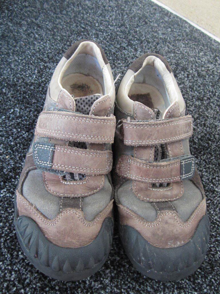 Clarks stomposaurus boys shoes 12F