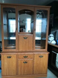 Oak mirrored display cabinet with glass and lights