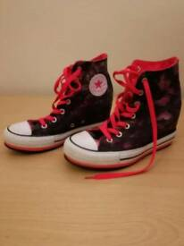 Converse Women's Chuck Taylor Lux Mid Casual