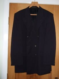 """Gents Marks & Spencer Navy Blue Blazer. 100% Pure New Wool. Chest 44"""" Long Fit. 2 Button Fastening."""