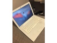 Macbook 2009 300gb perfect condition