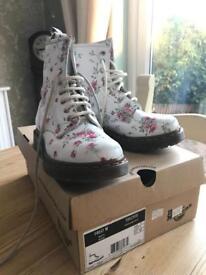 Dr Martins 'Portland Rose' boots UK size 3