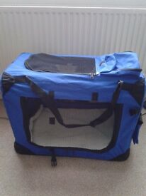 PET TRAVEL CARRIER / CAT OR MEDIUM SIZE DOG/ NEVER BEEN USED