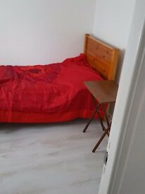Single room in 3 bedroom house b/b/leys close to shops,bmw.call me 07928060380 420f all incl
