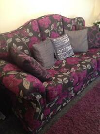 3 & 2 floral sofa, needs gone asap