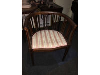 Attractive Antique Victorian Inlaid Mahogany Tub Chair
