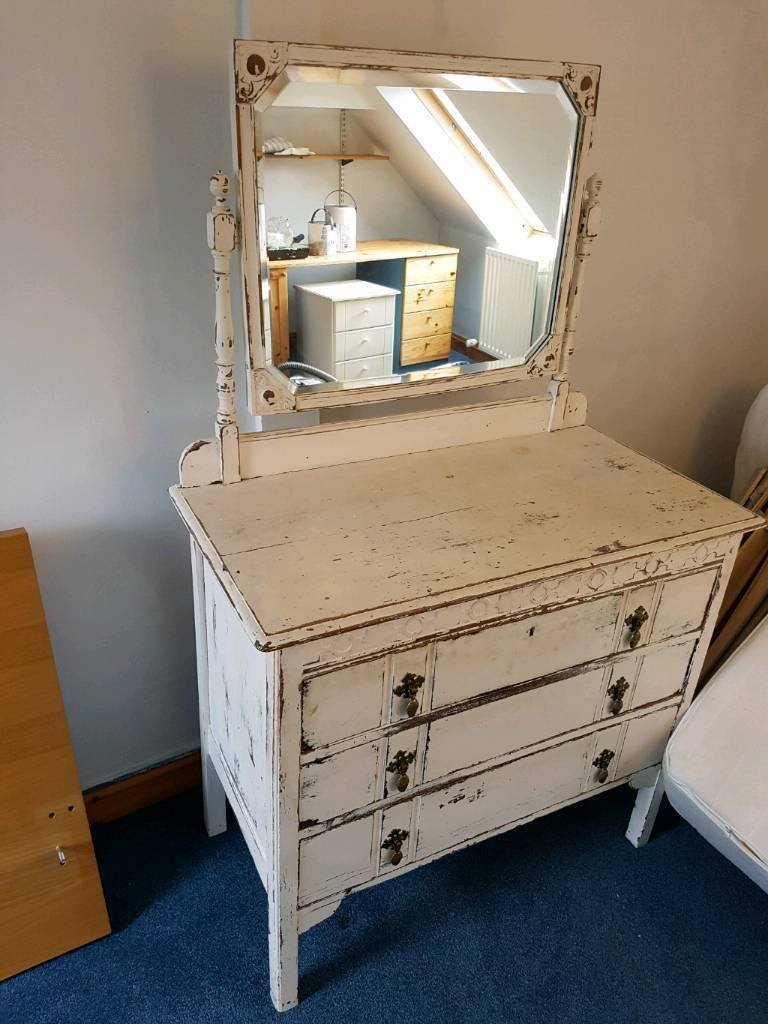 French Chic Dresser Drawers