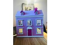 Lovely dolls house with furniture