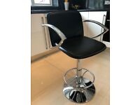 Breakfast bar stools x4 in chrome and black