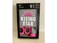 Nike Baby Rising Star Hat/Bodysuit/Bootie 3 Piece Grey/Pink 0-6m (Brand New)