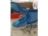 Nike trainers brand new size 4