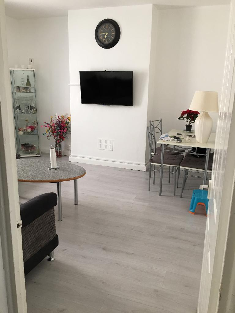 3bed want to downsize for 2bed