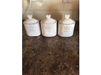 Set of three ceramic coffee,tea and sugar-containers, in excellent condition.