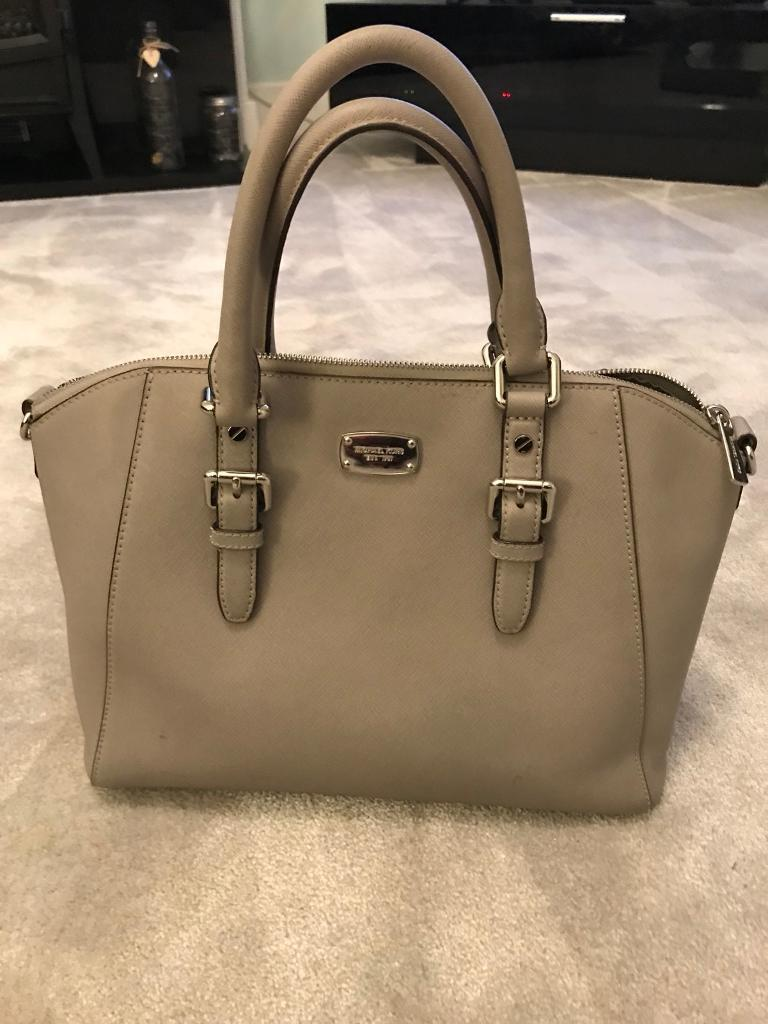 Grey Michael kors bag in excellent condition