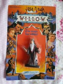 20 Willow action figures